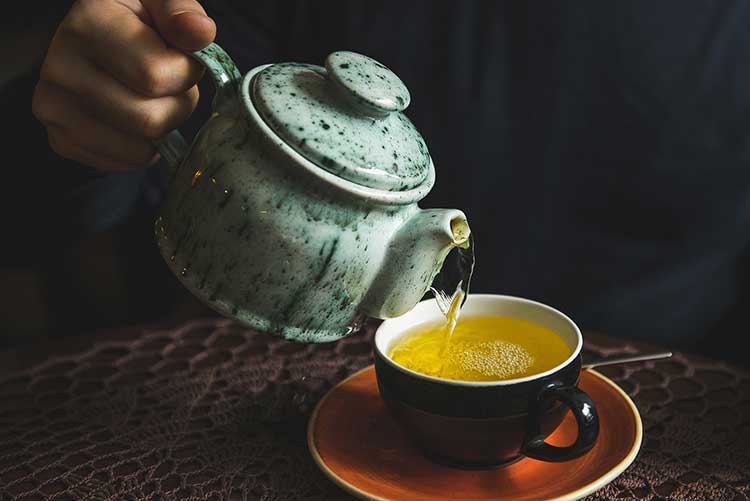 WHY YOU SHOULD BE SELECTIVE OF THE TEA YOU DRINK